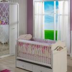 Bebek Odası Takımları Beyaz ve Mor Kombin