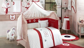 Bebek Odası Takımları Kırmızı ve Beyaz Kombin