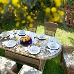 Kahverengi Hasırlı İstikbal Bahçe Masa ve Sandalye Takımı 2016