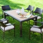Siyah Hasırlı İstikbal Bahçe Masa ve Sandalye Takımı 2016