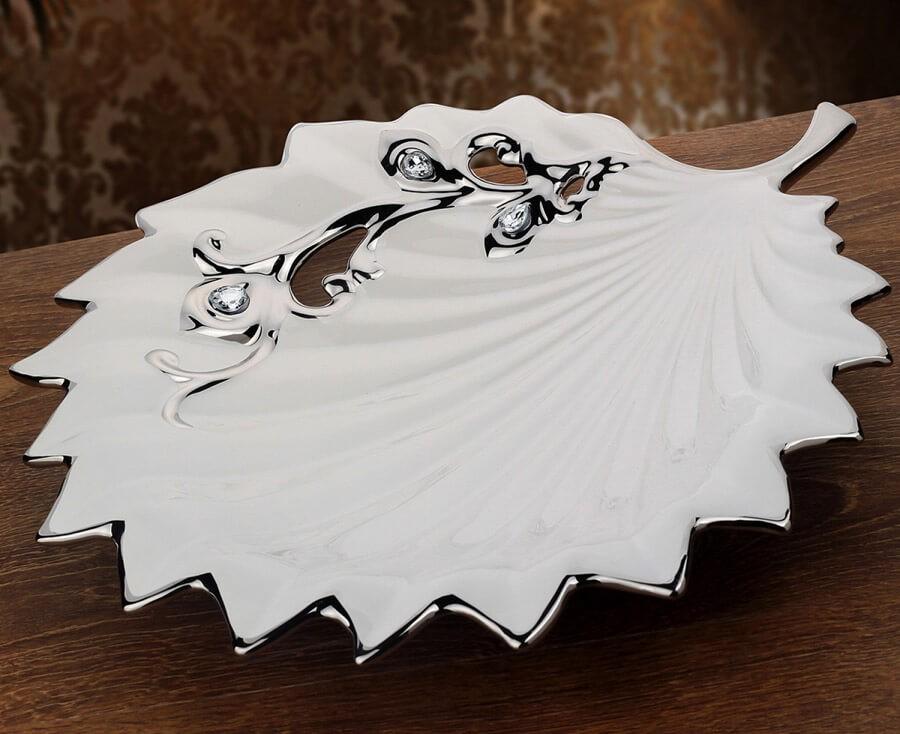 Beyaz Çiçekli dekoratif tabak ve kase modeli