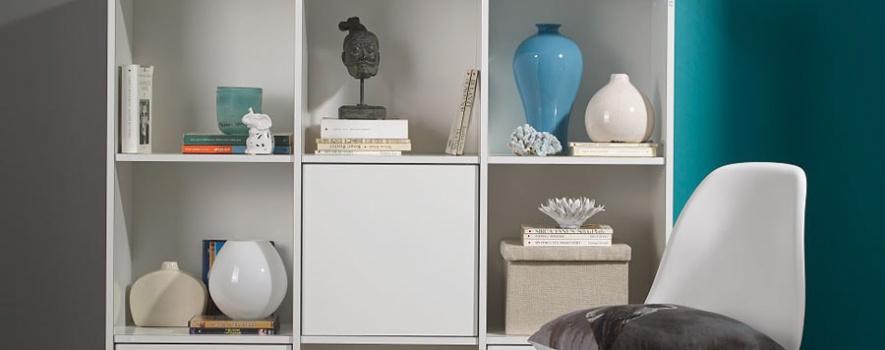 Beyaz kare dekoratif dolap modeli
