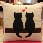 Kedili Dekoratif Yastık Modelleri