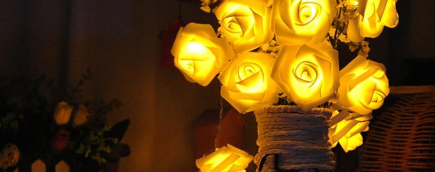 Sarı güllü dekoratif gece lambası