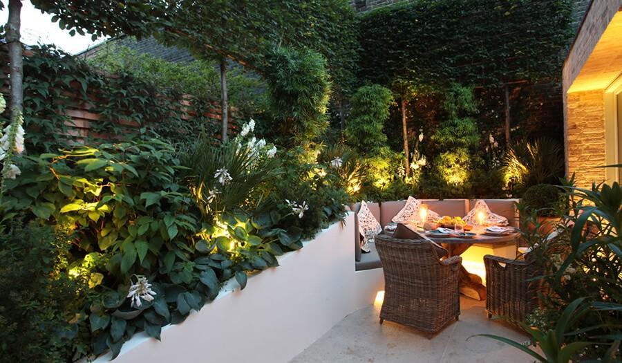 Bahçe oturma bölümü aydınlatma