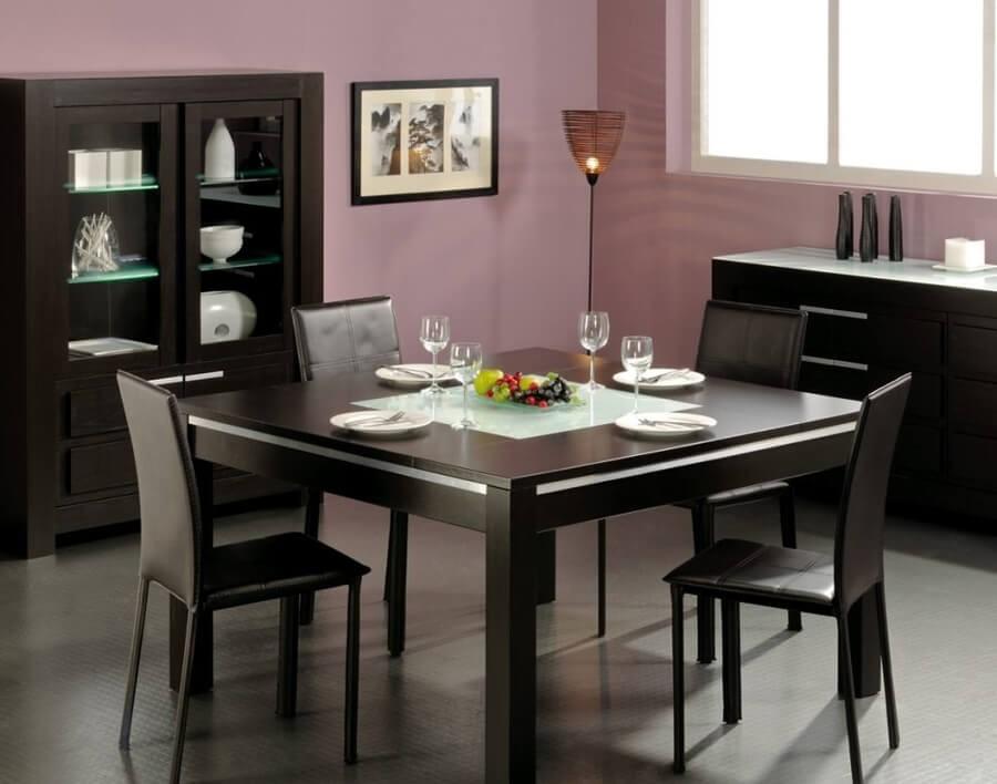 kare-siyah-deri-yemek-masasi