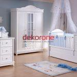 Beyaz Renk Erkek Bebek Odası Dekorasyonu