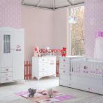 pembe tonlarda bebek odasi dekorasyonu 1