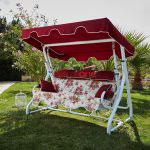 Dekoratif bahce mobilyalari- Kirmizi bahce salincagi