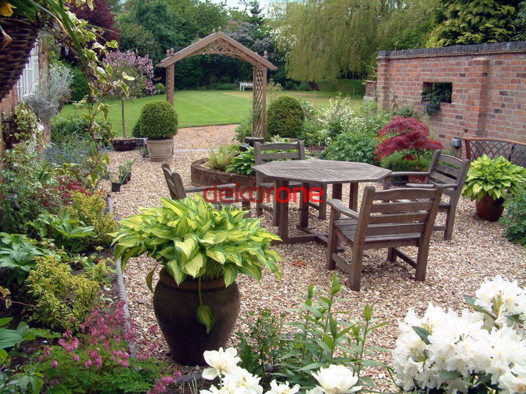 Bahçe Dekorasyonu Masa ve Sandalye Takımları