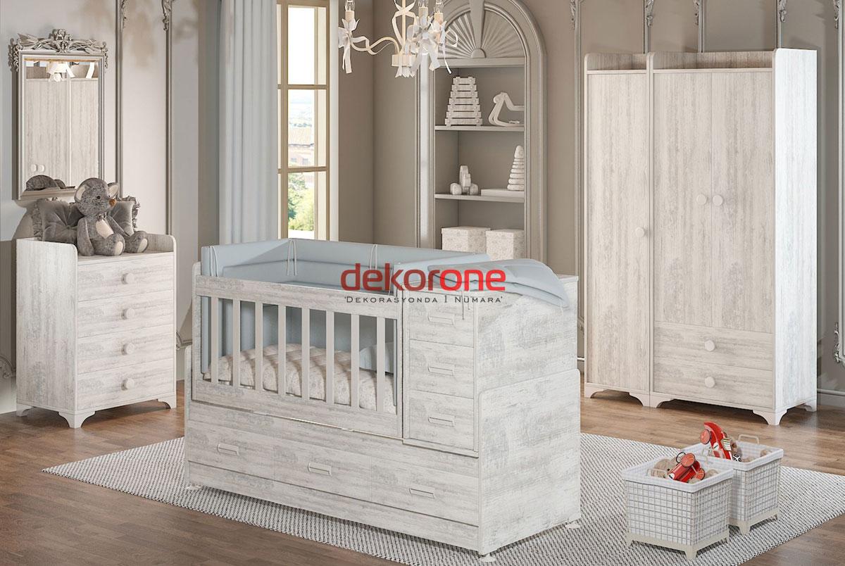 Tek Renk Bebek Odası Dekorasyonu